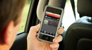 smartphone-app-guy-in-car-large